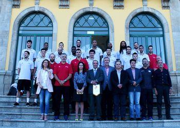 Comitiva nacional recebida na Câmara Municipal de Moimenta da Beira - foto: CMMB