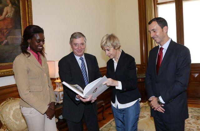 Direcção da FAP em visita à Presidência da AR