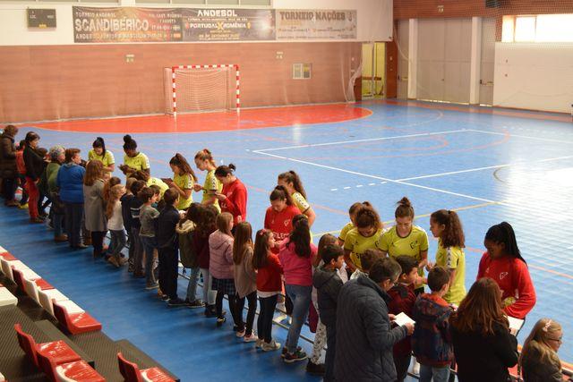 Juniores A Femininas - sessão de autógrafos em Figueira de Castelo Rodrigo