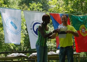 FAP entrega lembrança ao clube organizador do Encontro Minis Fem.