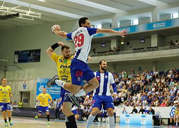 Miguel Alves - FC Porto : AHC Potaissa Turda - EHF Cup Masculina - foto: PhotoReport.In