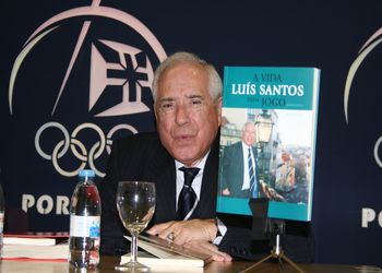 """Apresentação do livro """"Luís Santos - A vida num Jogo"""" de José Lopes"""