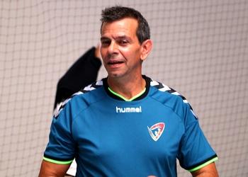 Nuno Santos - Sele. Nacional Juniores B (ao baixo)