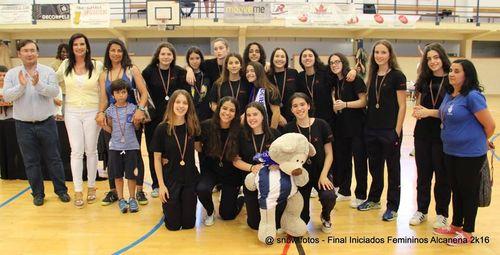 Entrega de prémios - 2º classificado - CS Madeira - Fase final Campeonato Nacional Iniciados Femininos 2015/16