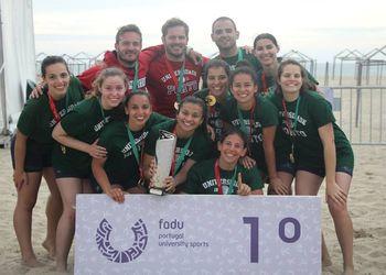 U. Porto vencedor Campeonato Nacional Universitário Andebol de Praia 2016 - femininos