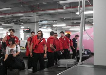 Seleção Masculina na chegada a Macedonia