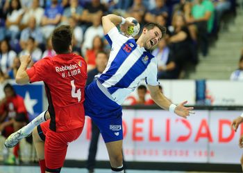 Miguel Martins - FC Porto : AM Madeira A. Sad - Campeonato Andebol 1 - foto: PhotoReport.In