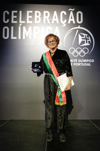 Fátima Monge da Silva recebeu Medalha de Mérito - foto: COP