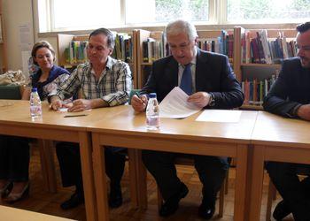 Assinatura do protocolo no Agrupamento Vertical Escolas de Baltar