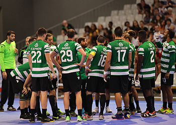 Equipa - Sporting CP : AC Fafe - Campeonato Andebol 1 - foto: PhotoReport.In