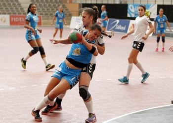 Cláudia Aguiar (Madeira) no jogo Madeira-Maiastars