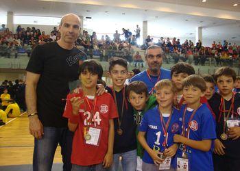 Carlos Resende entrega prémio Ética no Desporto ao CDC Santana aos Minis Masculinos