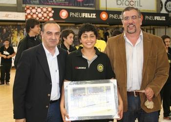 Capitão do ABC recebe prémio vice-campeão infantis 2012