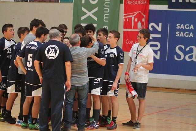 Entrega de prémios ao CCR Alto do Moinho - 5º classificado Fase Final Campeonato Nacional Iniciados Masculinos 2013-14