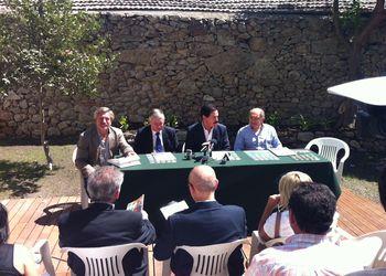 Dr. Fernando Ruas, Dr. Ulisses Pereira, Dr. José Moreira, Prof. Joaquim Escada e Dr. Américo Nunes - apresentação Projecto Andebol Viseu