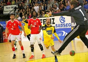 Fábio Vidrago bate Hugo Figueira  - ABC-SL Benfica - 08.05.2015