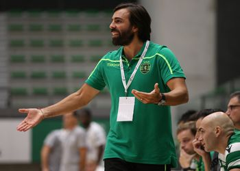 Hugo Canela - Sporting CP - Campeonato Andebol 1 - foto: PhotoReport.In
