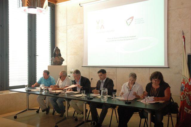 Assinatura de protocolo de desenvolvimento entre a FAP e a VRSA
