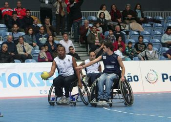 1ª demonstração nacional de andebol em cadeira de rodas