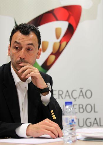 Miguel Fernandes - Tomada de Posse do Conselho Consultivo - Guimarães, 16.06.2012 - foto FAP/ José Lorvão