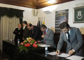 Assinatura protocolo Torneio Vale do Coa 1