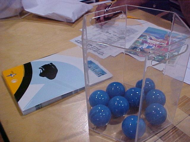 Imagem Sorteios - bolas azuis