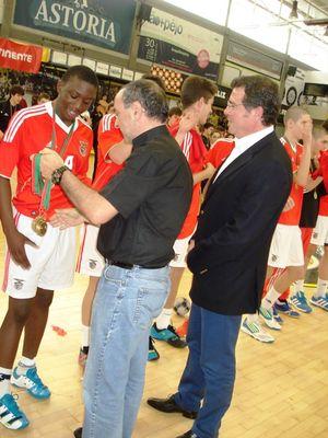 SL Benfica - Campeão Nacional Iniciados Masculinos 2012-13 - Augusto Silva e Manuel Moreira entregaram as medalhas