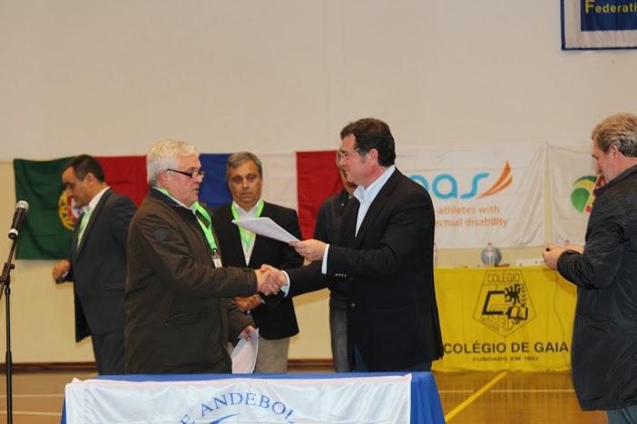 Protocolo de Cooperação para época 2013-2014 entre a ANDDI-Portugal, pelo presidente Fausto Pereira e FAP, pelo vice-presidente Augusto Silva