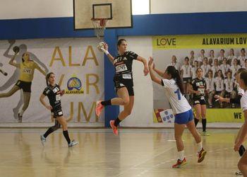 Alavarium Love Tiles - Colégio de Gaia/Toyota - Campeonato 1ª Divisão Feminina - foto: António Oliveira