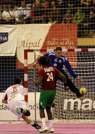 Hugo Laurentino - Portugal : Macedónia - qualificação Euro 2014 - Espinho, 04.11.12 - foto de José Lorvão