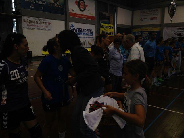 Entrega das medalhas ao Madeira sad - vice campeão nacional seniores femininos 2013-14