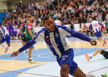 Djibril Mbengue - FC Porto Sofarma : SC Magdeburg - EHF Cup - foto: PhotoReport.In