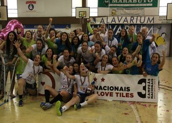 Alavarium Love Tiles sagra-se campeão nacional Multicare 1ª Divisão Seniores Femininos 2014/ 2015 - foto: António Oliveira
