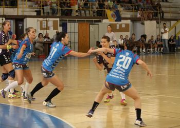 Alavarium Love Tiles : Madeira Sad - Campeonato Multicare 1ª Divisão Seniores Femininos - foto: António Oliveira