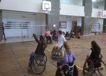 Andebol 4 All no dia Paralímpico na escola José Gomes Ferreira