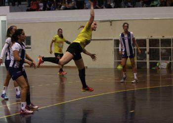 Colégio Gaia : CS Madeira - Campeonato 1ª Divisão Feminina - foto: António Oliveira