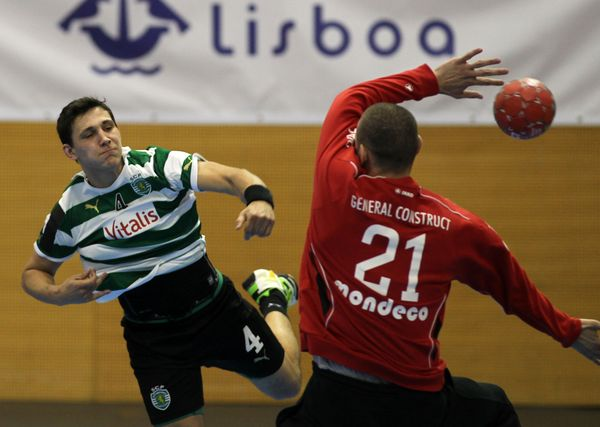 Pedro Portela - Sporting CP : Suceava - 1/4 Final Challenge Cup 2011/12 - foto de José Lorvão