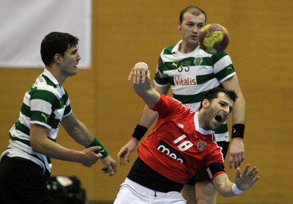 Carlos Carneiro - Sporting CP : SL Benfica - Andebol 1 2011/12 - foto de José Lorvão