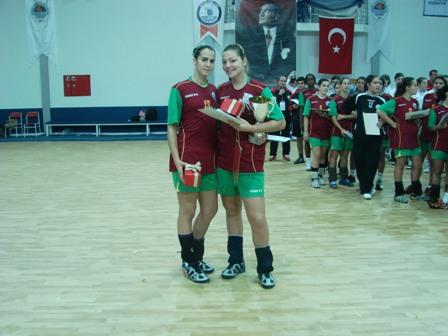 Atletas da Selecção Nacional Junior B Feminina premiadas no 4º Campeonato do Mediterrâneo