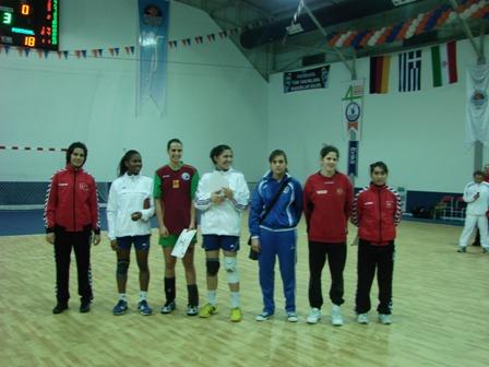 Sete Ideal do 4º Campeonato do Mediterrâneo com Rita Alves (lateral esquerda)