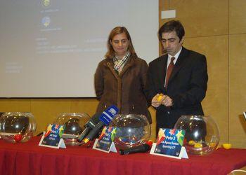 Sorteio da Supertaça Andebol Portimão 2011 - Drª Isabel Guerreiro`e Luis Pacheco