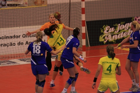Torneio Internacional de Lagoa - Islândia : Brasil 13