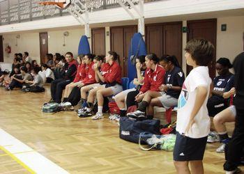 Selecção Nacional A feminina - treino na Escola Bartolomeu Perestrelo
