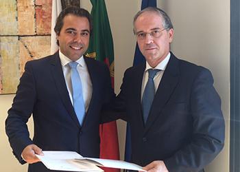 Presidentes da Federação de Andebol de Portugal, Miguel Laranjeiro e Presidente da Movijovem, Ricardo Araújo