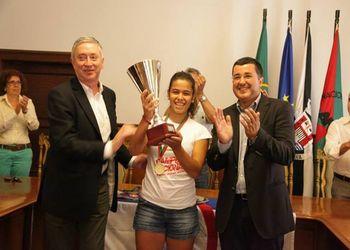 C. Vela Tavira recebe Taça de Campeão Nacional da 2ª Divisão