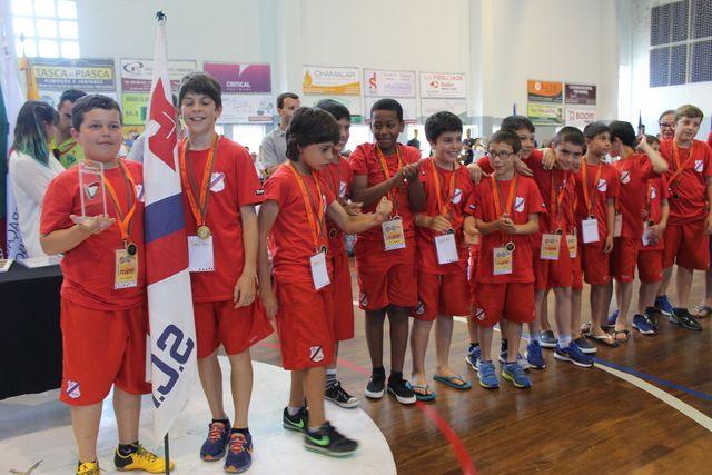 Cerimónia de encerramento do Encontro Nacional de Minis Masculinos e Femininos Godim 2016 - Troféu Fair Play - Sporting C. Horta