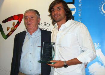 Ulisses Pereira, Presidente FAP e Pedro Solha - Melhor Jogador Andebol 1 2012/ 13