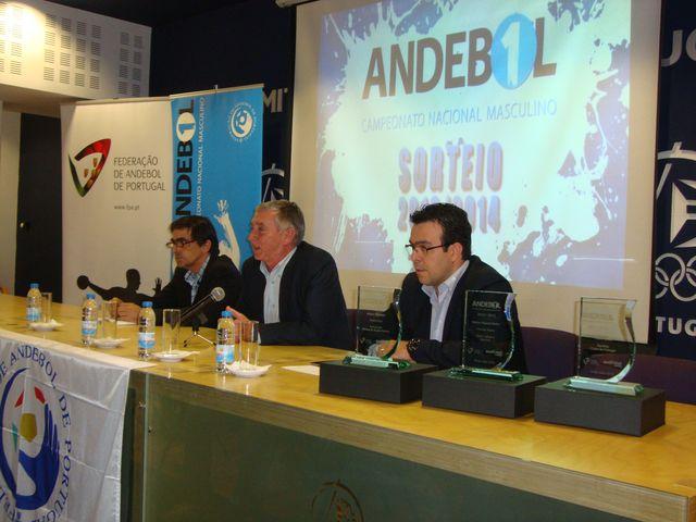 Luis Pacheco, Ulisses Pereira e Hugo Maganinho - mesa sorteio Andebol 1