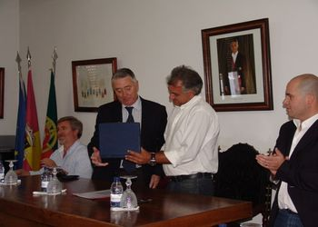Assinatura de Protocolo entre a FAP e Empresa Municipal Celoricense - EM em 20.08.12