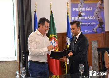Protocolo em Pinhel - Auguso Silva e Presidente da Câmara de Pinhel